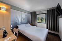 B&B Hôtel B&B HOTEL Pau Zénith - Hôtel - Pau
